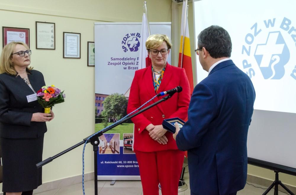 Dyrektor szpitala nagrodził  wyróżniających się pracowników i osoby wspierające szpital