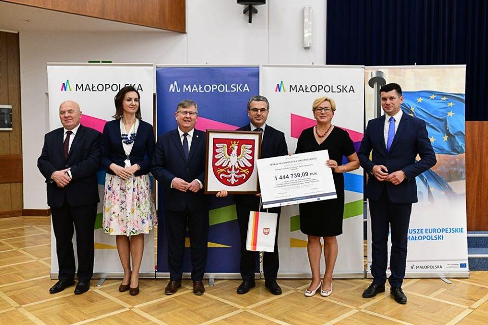 1️,4 mln zł z Pakietu Medycznego Małopolskiej Tarczy Antykryzysowej dla szpitala w Brzesku